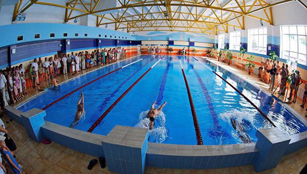 как получить справку для бассейна в Москве