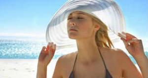 защита волос от морской воды и солнечных лучей