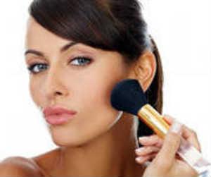 как наносить макияж, чтобы выглядеть моложе