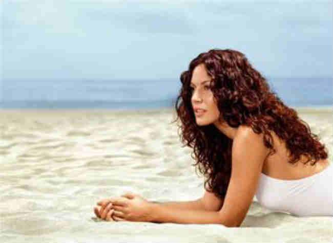 Защита волос от солнца на море